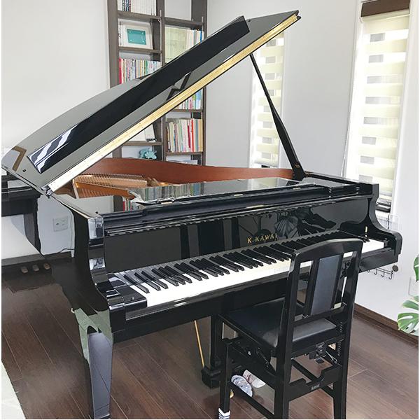 グランドピアノで学ぶ